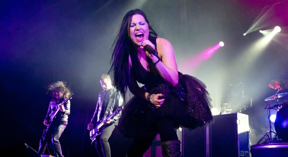 AMY LEE se lance en solo avec AFTERMATH
