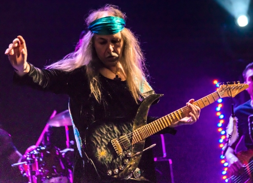 ULI JON ROTH « IN FRANCE » en écoute