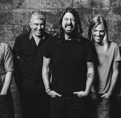 Foo-Fighters-Laugh-Shot-BW_web