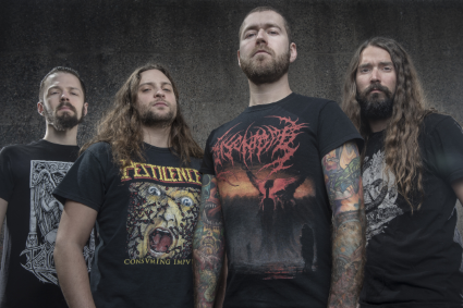 Revocation sort 'Existence Is Futile' en vinyle