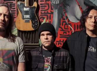 EARTHLESS dévoile « Black Heaven »