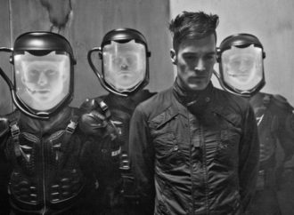 STARSET propose « Ricochet » en version acoustique