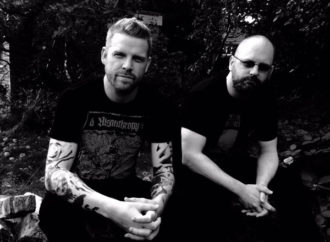 ANAAL NATHRAKH lance un nouveau single