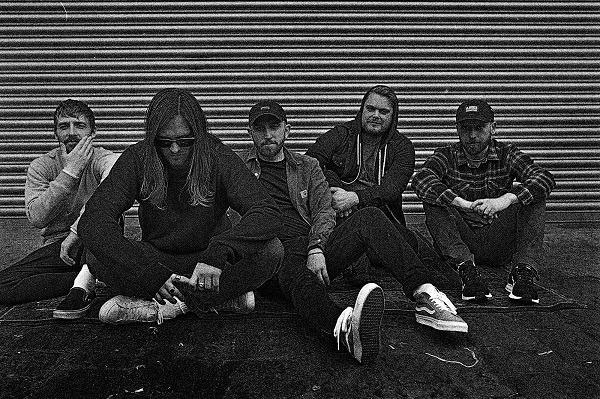 WHILE SHE SLEEPS : Nouvel album en mars