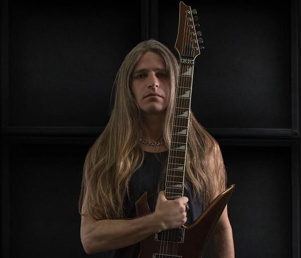 MANOWAR annonce  son nouveau guitariste