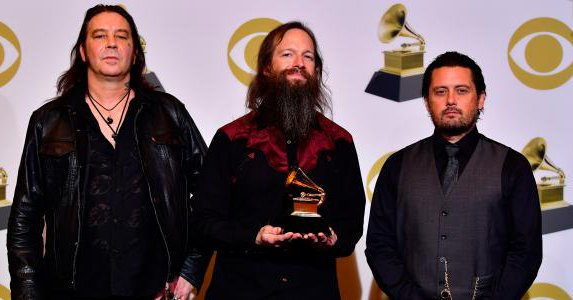 HIGH ON FIRE remporte un Grammy Award
