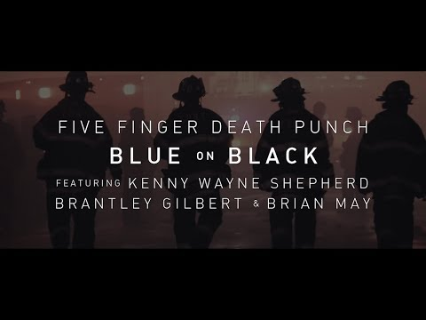 4 grands artistes reprennent « Blue on Black »