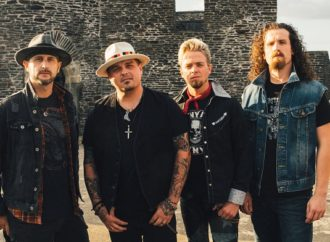 BLACK STONE CHERRY : « Black to Blues vol 2 »