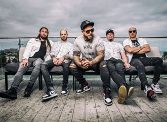 Bad Wolves propose en écoute 'Sober'