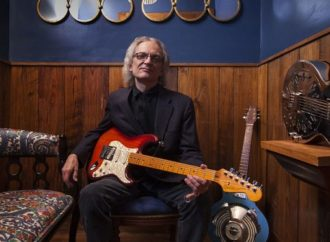 SONNY LANDRETH :  Lyric vidéo « Blacktop Run »