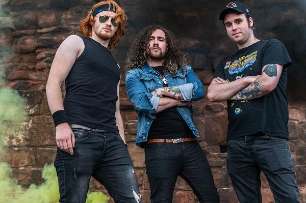 Neon Hurricane : Lyric vidéo 'Follow The Rock 'n' Roll'