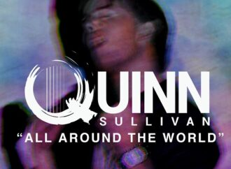 "QUINN SULLIVAN : Vidéo ""All Around The World"""