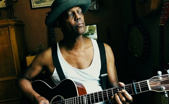"ERIC BIBB : Vidéo ""Whole World's Got the Blues"""