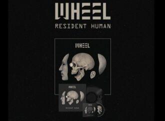 CHRONIQUE : RESIDENT HUMAN de WHEEL