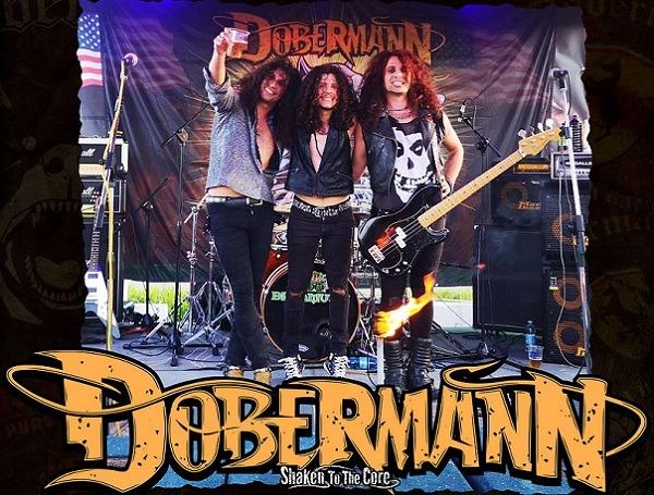 Dobermann trio